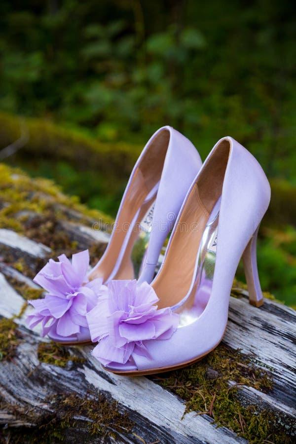 Braut-Hochzeits-Schuhe stockfoto