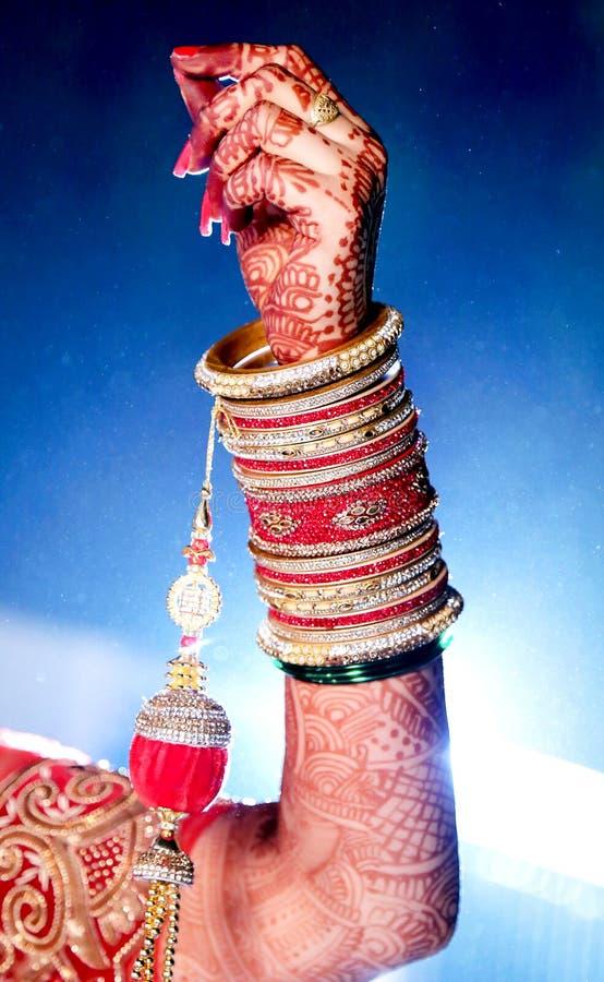 Braut ` s Schmuck in der indischen Hochzeit stockfotos