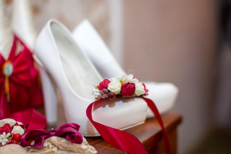 Braut `s Schuhe stockfoto