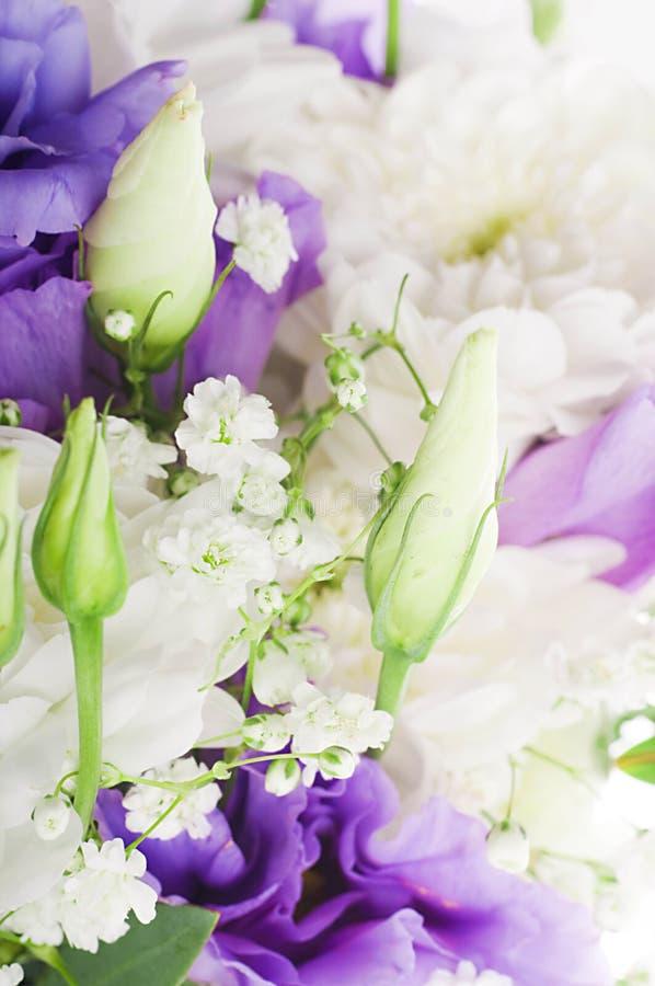 Download Brautblumenstrauß stockfoto. Bild von nave, dekorativ - 27734910