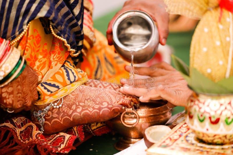 Brautfu?, indische Hochzeit stockbild