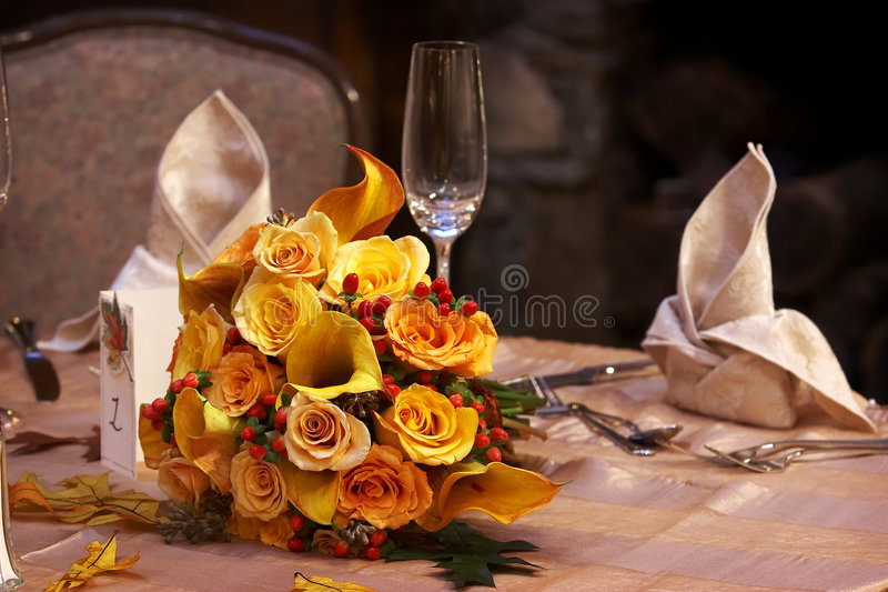 Brauthochzeits-Blumenstrauß stockbilder