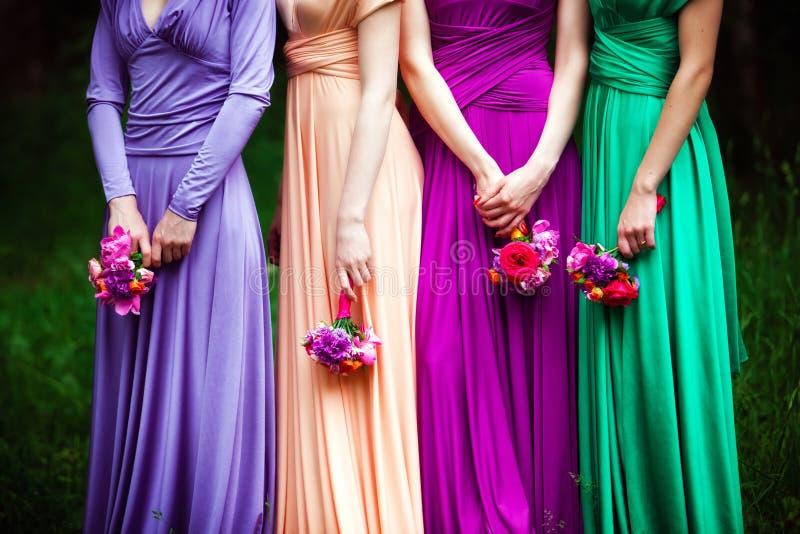 Brautjungfern auf Hochzeit stockfotos