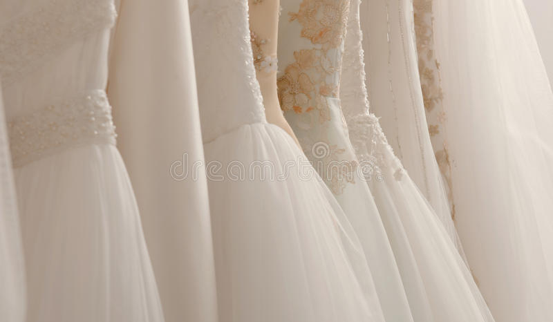Brautkleider stockbild