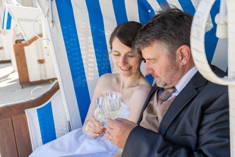 Brautpaare lizenzfreie stockfotos