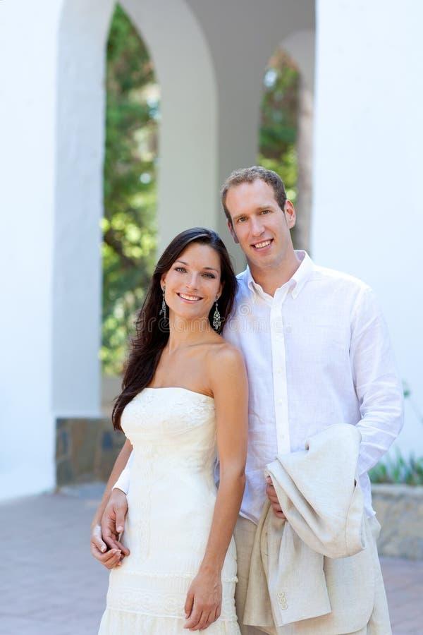 Brautpaare Heirateten Gerade In Mittelmeer Stockbilder