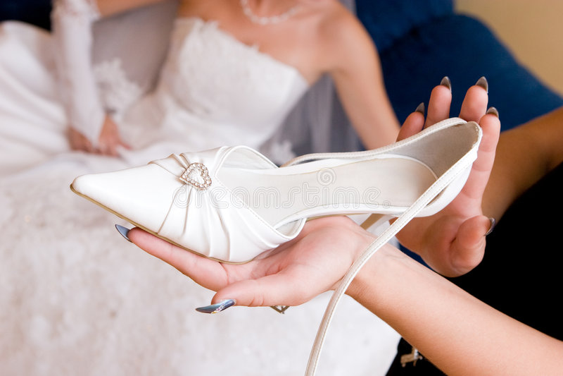 Brautwartezeit ein Schuh stockbilder