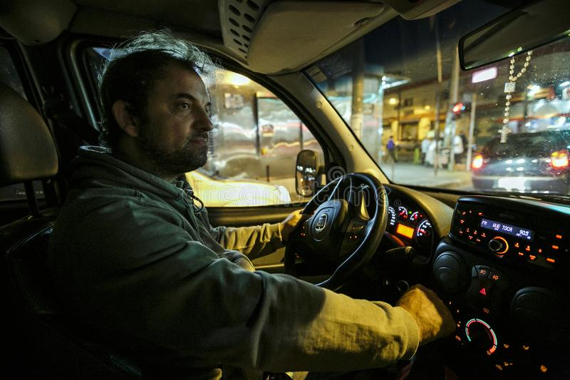 Brazilië - San Paolo - NGO Sermig - de priester gaat naar katholieke interventie in wat favela royalty-vrije stock foto's