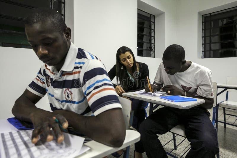 Brazilië - San Paolo - NGO Sermig - de school voor Afrikaanse vluchtelingen stock fotografie