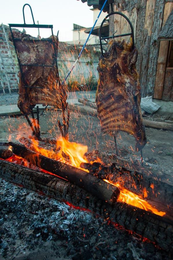 Braziliaanse die Barbecue ook als Churrasco wordt bekend door Gauchos, Braz wordt gemaakt royalty-vrije stock foto