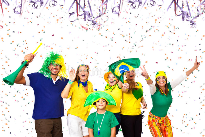 Braziliaanse vrienden die Carnaval-van tijd genieten stock afbeelding