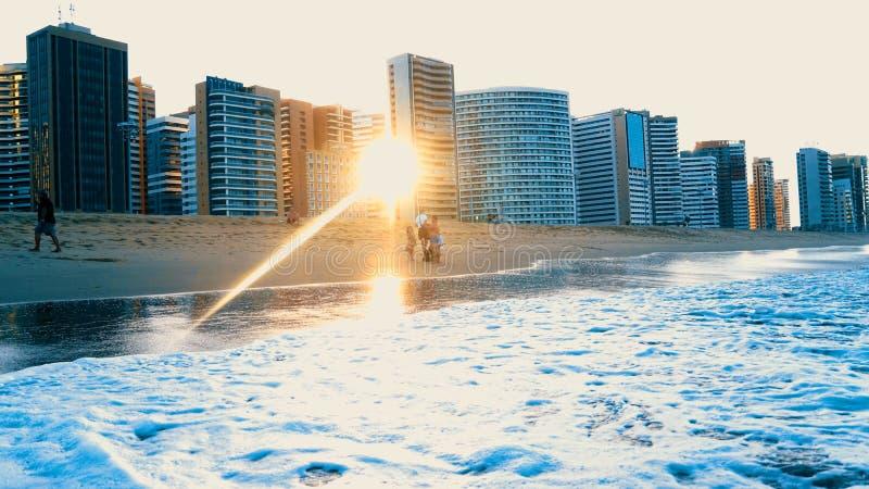 Brazillian海滩日落福特莱萨- Cearà ¡ 图库摄影