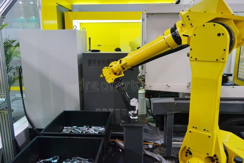 Brazo del robot industrial fotografía de archivo