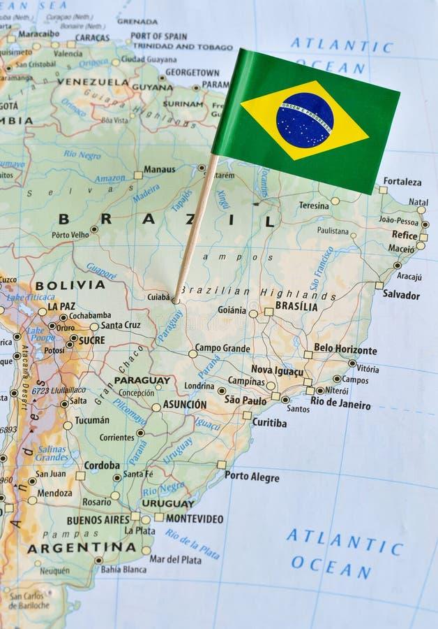Brazylia flaga szpilka na mapie obraz stock