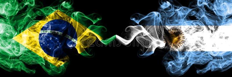 Brazylia vs Argentyna, Argentyńskie dymne flagi umieszczająca strona strona - obok - Gęste barwione silky dymne flagi brazylij ilustracji