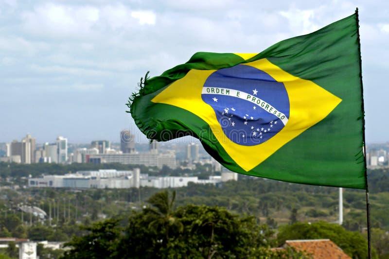 Brazylijczyk flaga i linii horyzontu miasto Recife, Brazylia zdjęcia royalty free