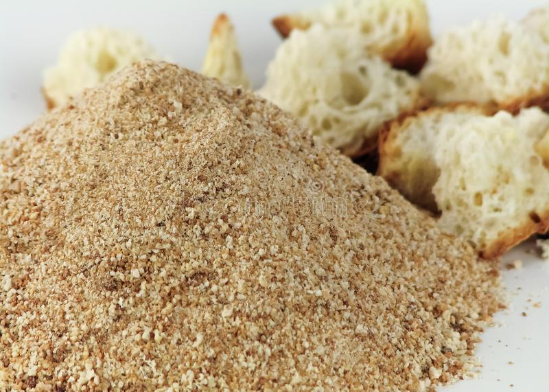 Breadcrumbs i zamazani kawałki chleb fotografia stock