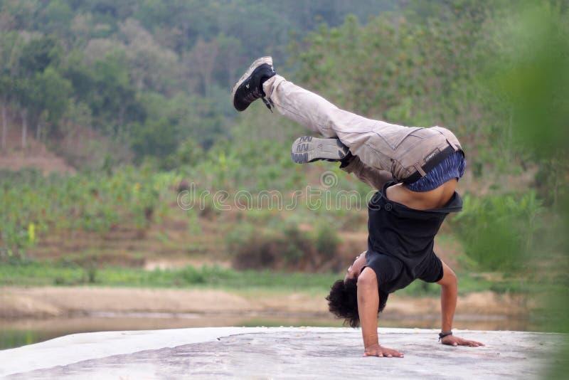 Breakdancebeweging stock afbeelding