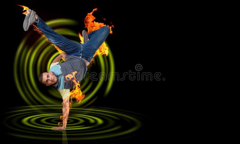 Breakdancer стоя в наличии стоковое изображение