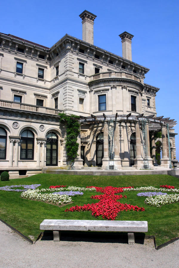 The Breakers mansion on Ochre Point in Newport, Rhode Island. Breakers, built by Cornelius Vanderbilt of the Gilded Age, as seen on the Cliff Walk, Cliffside stock photo