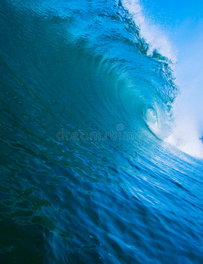 Free Breaking Wave Royalty Free Stock Photography - 9372147