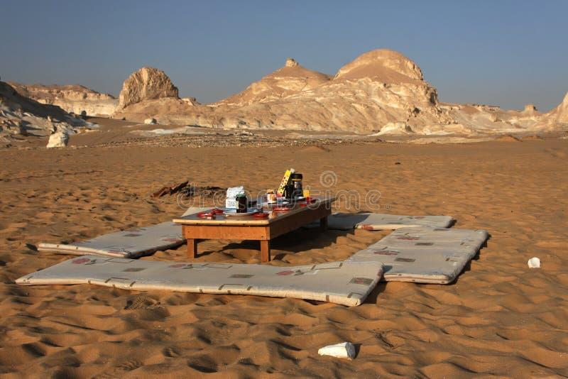 breaksfast沙漠利比亚 免版税库存图片