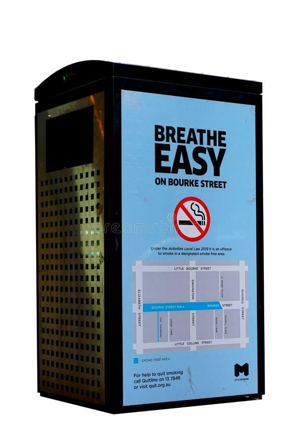 Breathe Easy on Bourke Street No Smoking Campaign on Electronic Bin stockfotos
