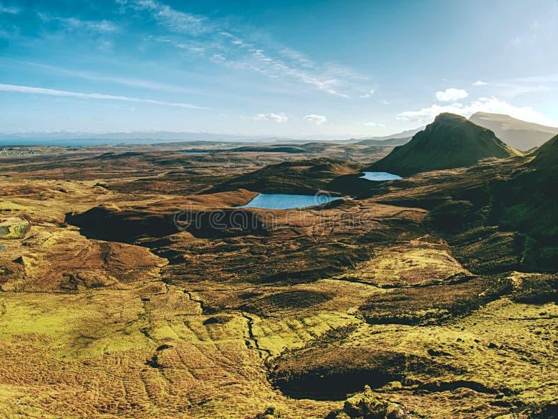 Breathtaking widok od Quiraing gór w vallley Pogodny zimy midday Wyspa Skye, Scottland obraz stock