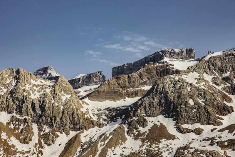 Breche de Roland på sänkan de Tentes Pyrenees royaltyfria bilder