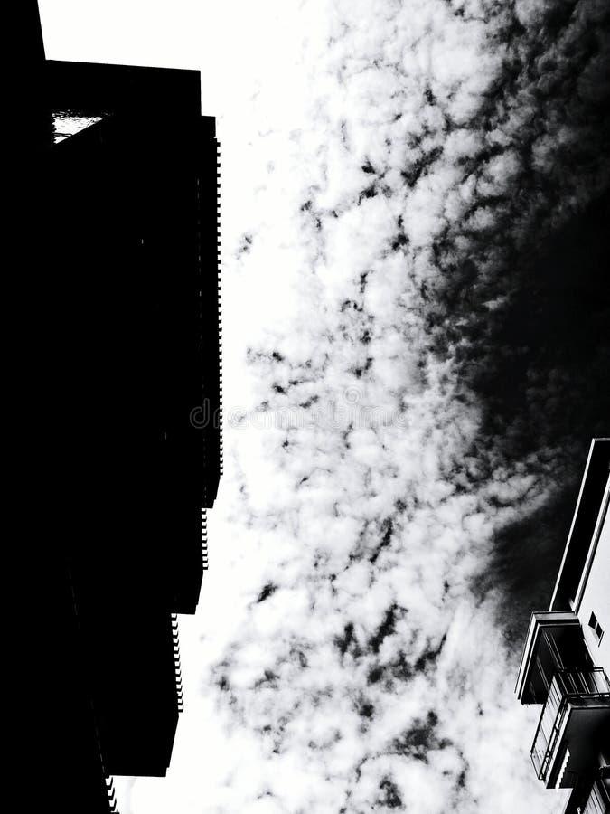 Brechen von Himmeln lizenzfreie stockbilder