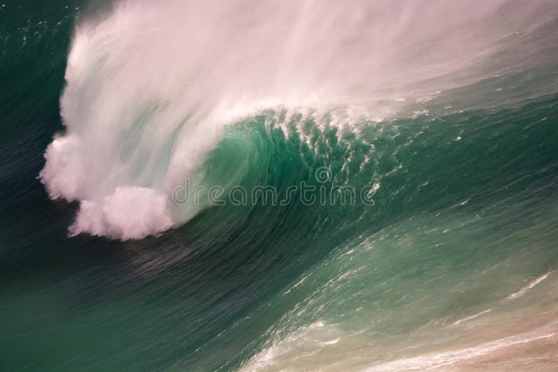 Brechende Welle Noordhoek, Cape Town lizenzfreies stockfoto