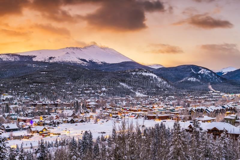 Breckenridge, Колорадо, горизонт курортного города лыжи США стоковое фото rf