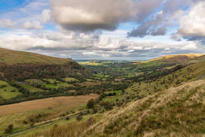 Brecon baliza la visión, vista de Sarn Helen, cerca de Ystradfellte, Powys, País de Gales, Reino Unido fotografía de archivo libre de regalías