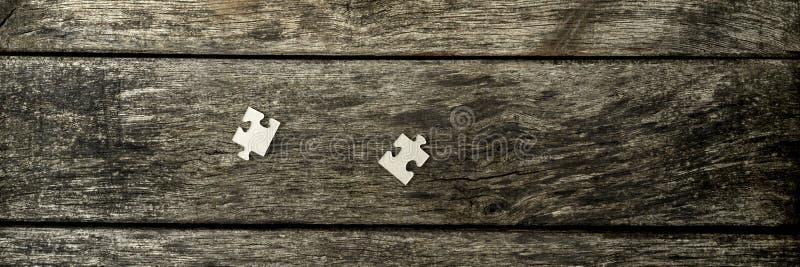 Brede bebouwde mening over afzonderlijke puzzelstukken stock foto's