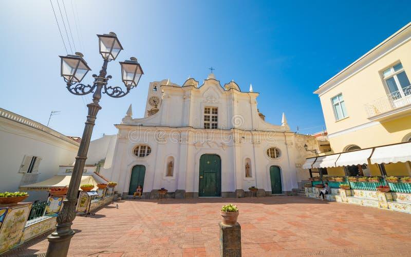 Brede hoekmening van Chiesa-de kerk van Di Santa Sofia in Capri-Eiland, Italië royalty-vrije stock fotografie