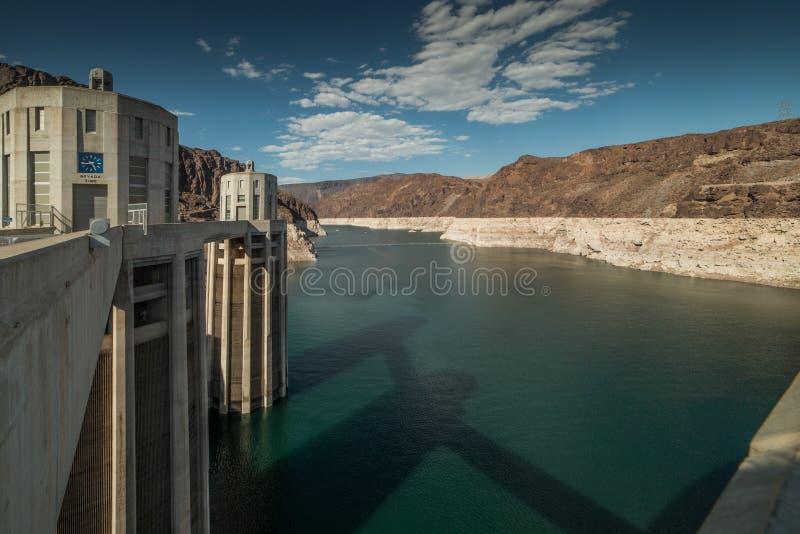 Brede Hoekmening van Hoover-Dam en de Rivier van Colorado in Nevada stock afbeelding