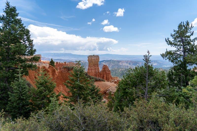 Brede hoekmening van rotsvorming bij Agua-Canion in Bryce Canyon National Park royalty-vrije stock foto's