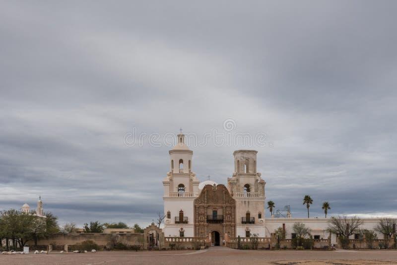 Brede mening San Xavier Del Bac Mission, Tucson Arizona de V.S. royalty-vrije stock afbeeldingen