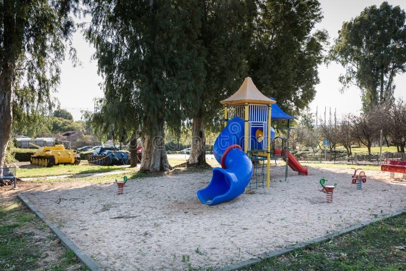 Bredzący miasta boisko z zbiornikami obraz royalty free