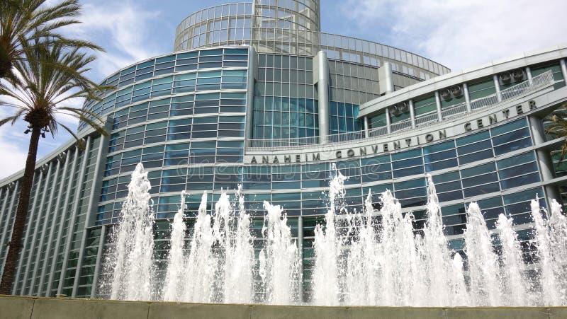 Breed schot buiten van Anaheim Convention Center stock afbeelding