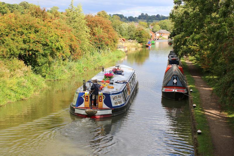 Breed straal narrowboat kruiskanaal royalty-vrije stock afbeelding