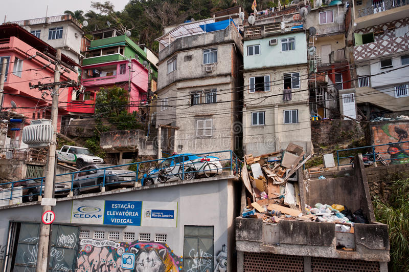 Breekbare woonbouw van favela Vidigal in Rio de Janeiro stock fotografie