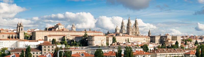 Breite Panoramablick Santiago de Compostelas hohe Auflösung Schicksal der Weise von St James pilgrimage stockbilder