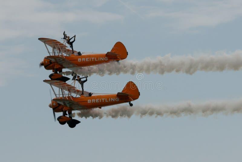 Breitling Wingwalkers在空中2015年 免版税库存图片