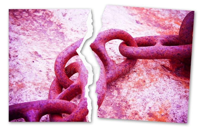 Brekend de kettingen - conceptenbeeld met een gescheurde foto van een oude roestige metaalketting - gestemd beeld royalty-vrije illustratie