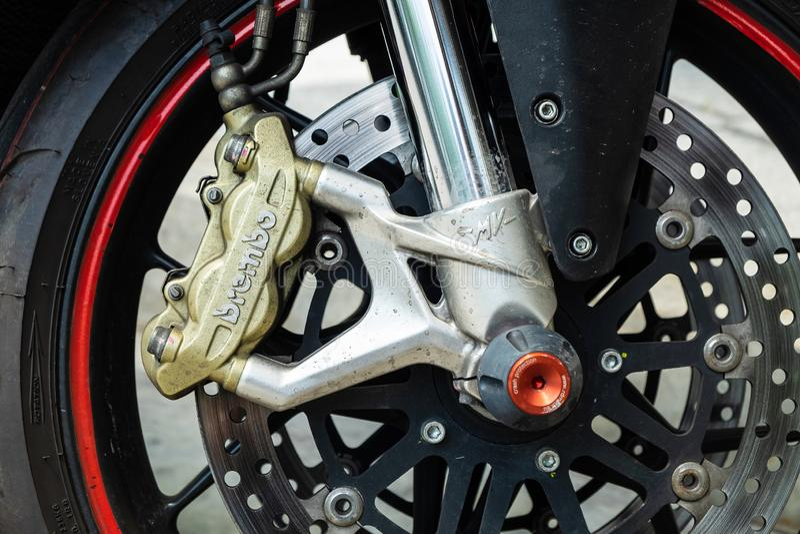 2019-05-17 Brembo, elevado desempenho Front Brake Caliper Set na motocicleta após a raça Pathumthani, Tailândia fotos de stock