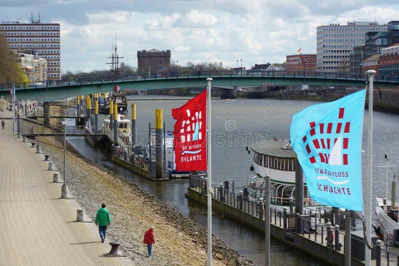 Bremen, Deutschland Bank von Fluss Weser lizenzfreies stockbild
