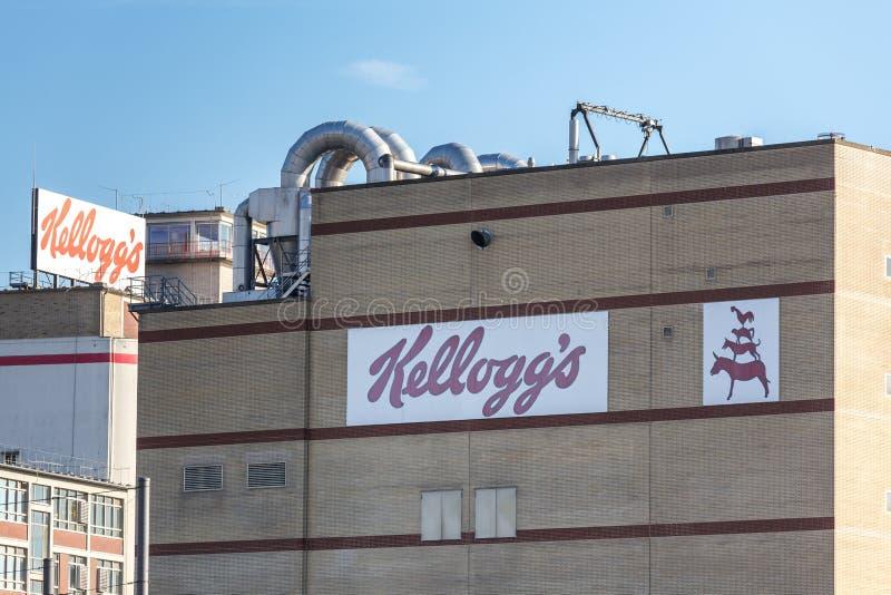 Bremen, Bremen/Duitsland - 12 07 18: kelloggs fabrieksteken op een gebouw in Bremen Duitsland royalty-vrije stock afbeeldingen