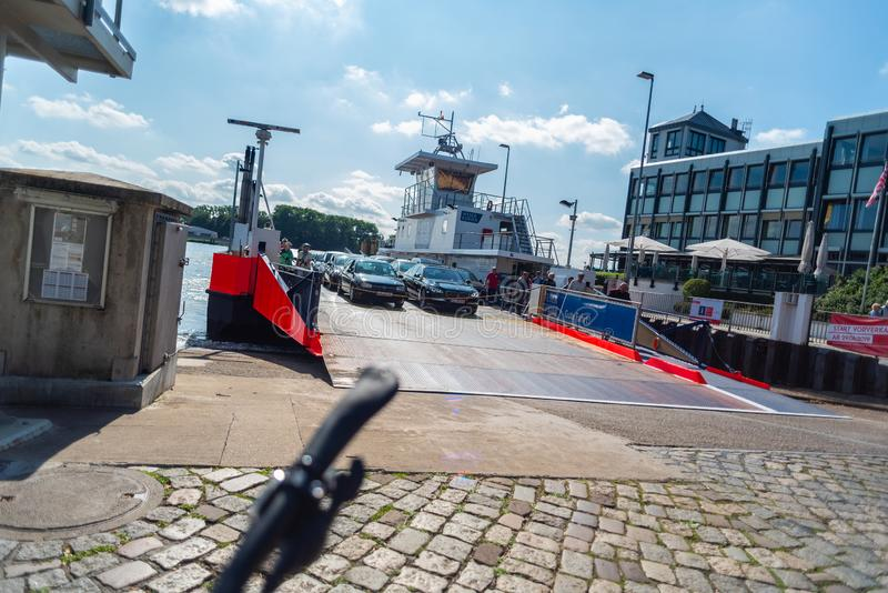 bremen, Bremen Niemcy, Lipiec, - 17, 2019 krzyżujący promem w Bremen vegesack zdjęcie stock