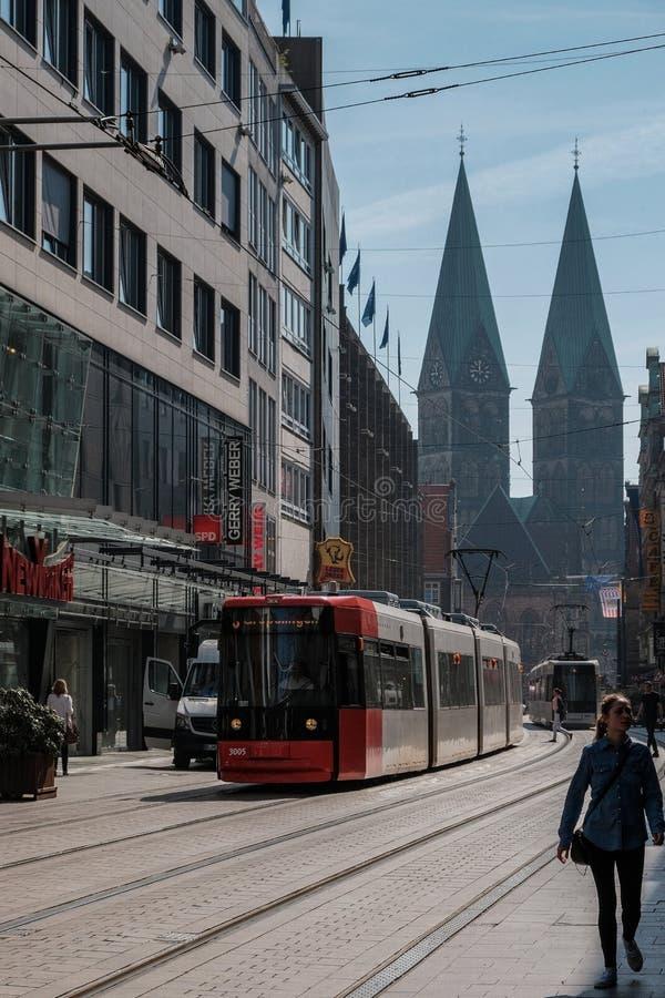 Bremen, Niemcy, tramwaje na ulicach Bremen zdjęcie royalty free